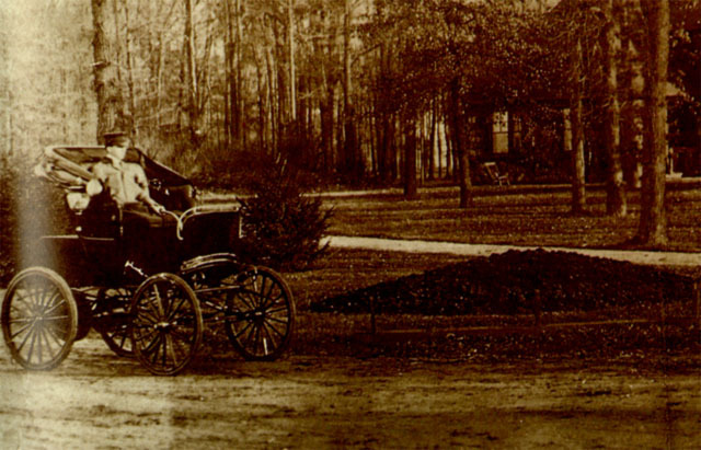 Electric Cars at the Turn of The Century