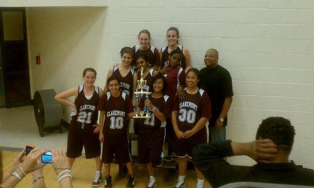 El a(n)o pasado mi equipo de baloncesto y gan(e) un torneo.