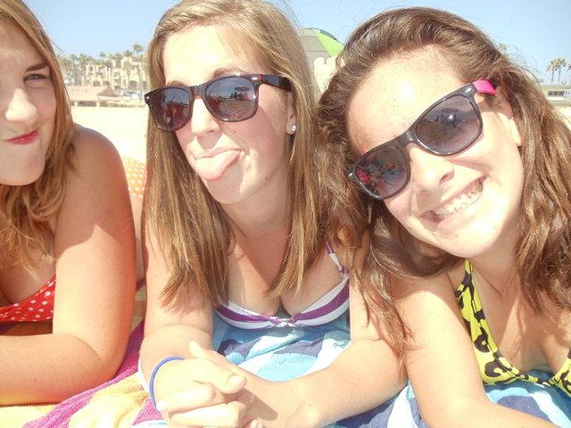 Fui a la playa con mis amigas.