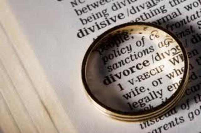 Mi madrastra se divorció de mi padre.
