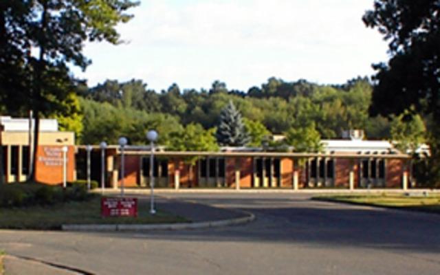 Totoket Valley Elementary School