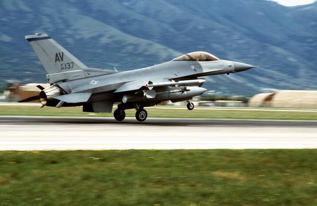 NATO Bombs Bosnia