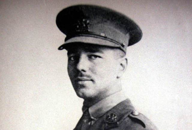 strong emotions in the poem dulce et decorum est by wilfred owen This poem is a powerful, graphic message to all who think it is sweet  dulce et  decorum est is a poem wilfred owen wrote following his  and iambic  pentameter to transmit the dirty and dark feelings felt on the battlefield.