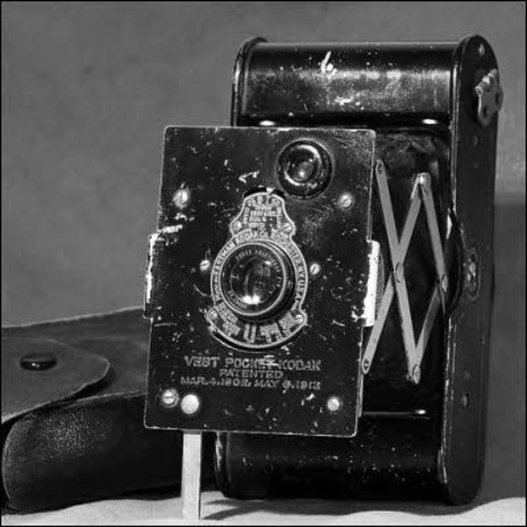 La primera cámara en la cima del Everest fue una Kodak