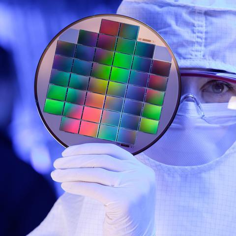 Placa de silicio con procesadores de cámaras digitales