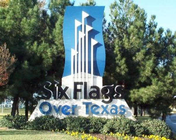 Six Flags Opens!