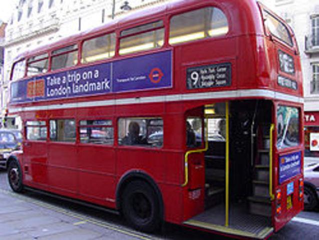 Το πρώτο λεωφορείο