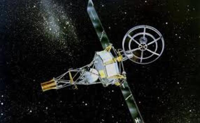 First spacecraft to orbit the moon.