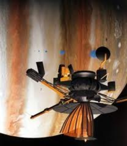 the Galileo space probe safely completes its encounter with Jupiter's ice moon, Europa, at an altitude of 343 km.