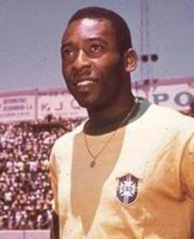 Soccer great Pelé scores his 1,000th goal.