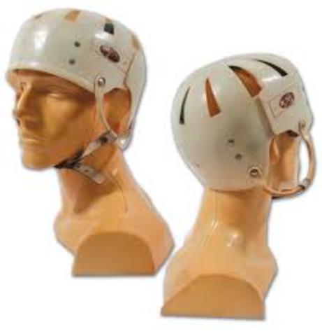 First Player to Wear Hockey Helmet