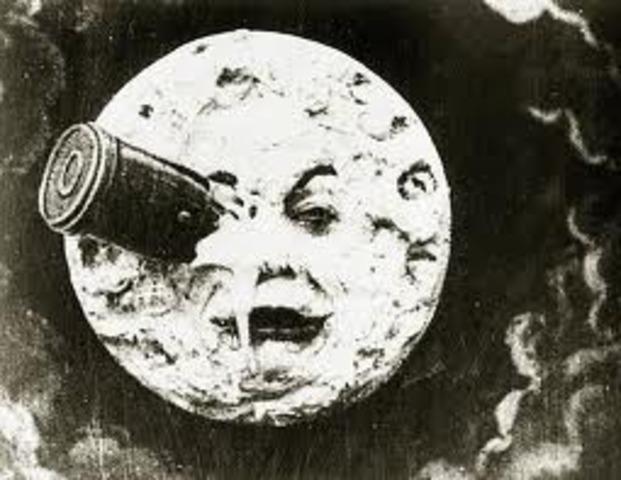 Ο Georges Melies δημιουργεί την ταινία ''Voyage to the Moon''