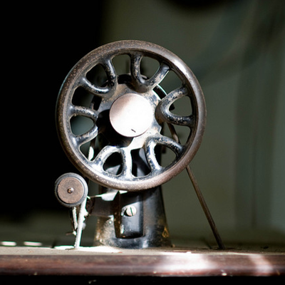 Petit histoire de la machine à coudre timeline