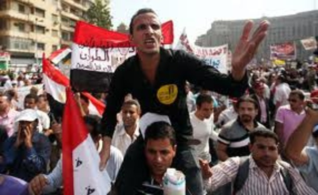 Egyptians demand quicker move to democracy