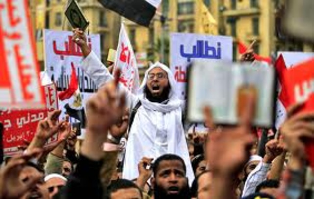 Egyptians return to Tahrir Square to protest against military junta