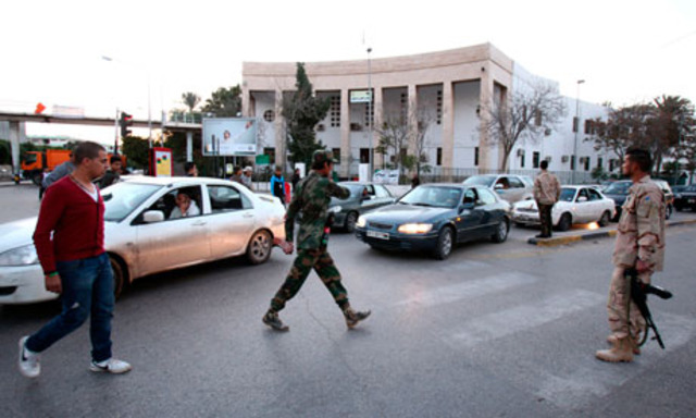 Tripoli in lockdown as Libya authorities try to drive out militias