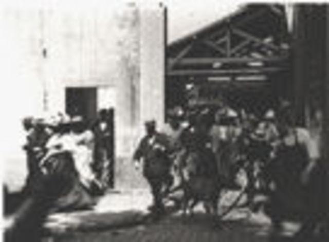 Γυρίζεται το πρώτο φίλμ απο τους αδερφους Λυμιερ στη Λυόν.