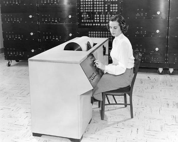 Vanneva Bush de MIT contruye el analizador diferencial