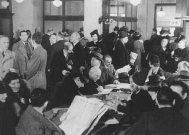 Poll: Would You Let In Jewish Refugees?