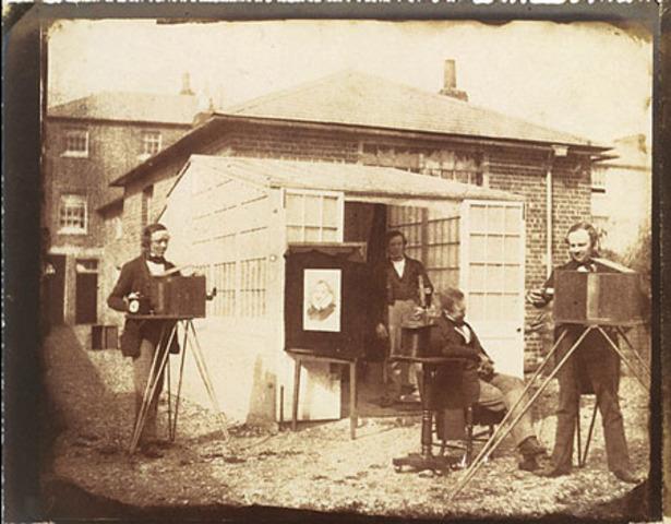 the daguerreotype process was expersive
