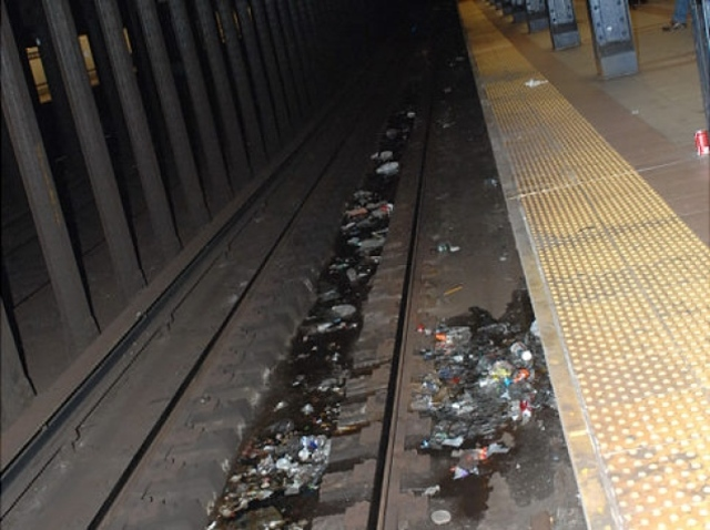 MTA Removes Trash Cans from 2 Stations