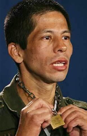 Jhon Pinchao huye del campamento de las FARC donde estaba secuestrado