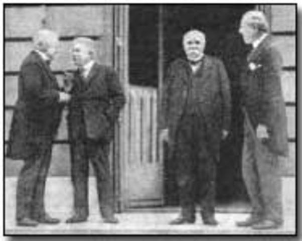 Treaty Of Versallies Ends WW1