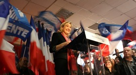 Les 500 parrainages du FN: retour sur 38 ans de faux suspense timeline