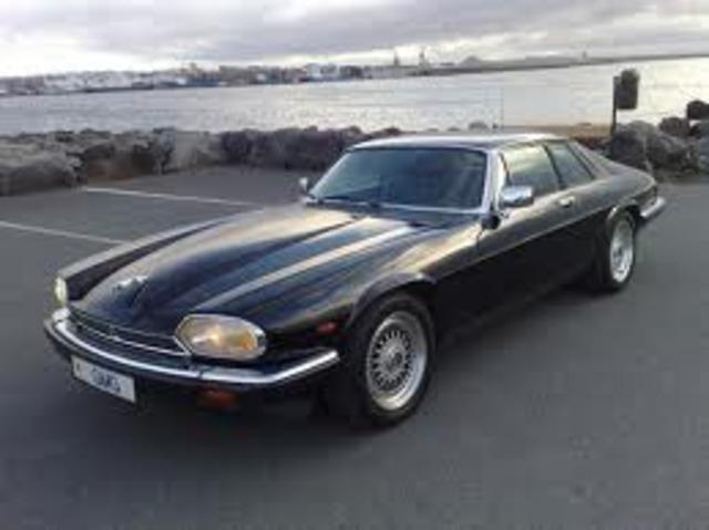 Ford buys Jaguar