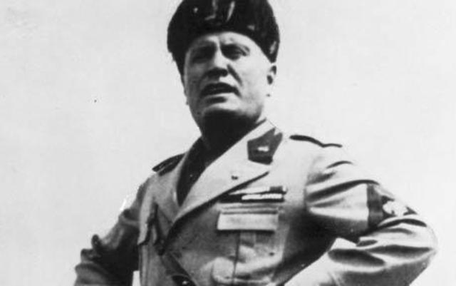 Benito Mussolini establishes a Fascist regime in Italy