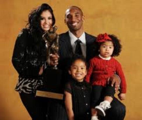 kobes kids and wife