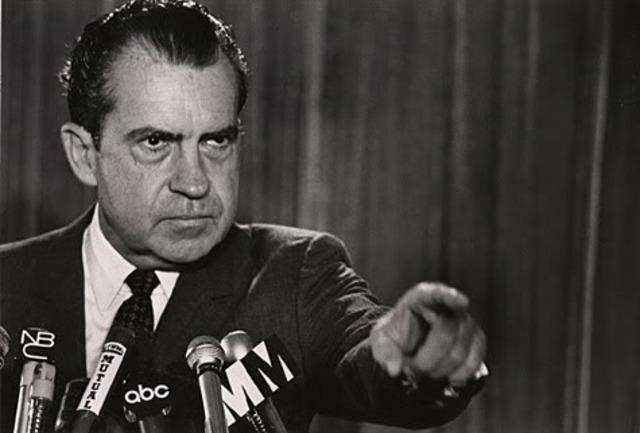 Richard Nixon f