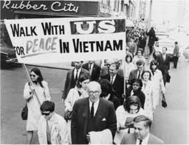 The USA withdraws from Vietnam