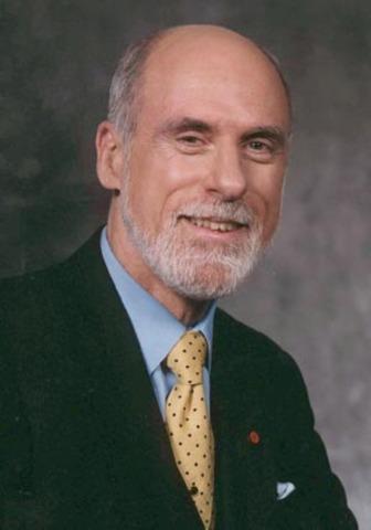 В 1980 году INWG под руководством Винтона Серфа объявила TCP/IP стандартом и представила план объединения существующих сетей, сформулировав основные его принципы