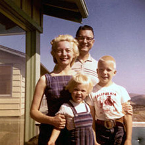 """Number of """"Traditional"""" nuclear-family households fall"""