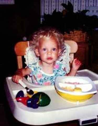 Taylor Alison Swift as a baby