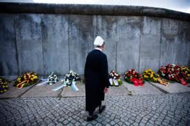 First person killed trying to cross berlin wall