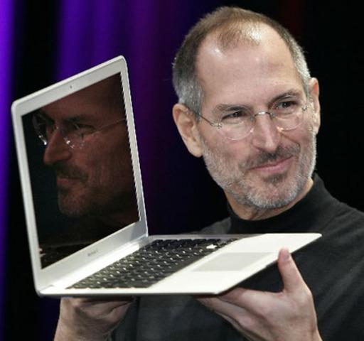 Steve Jobs presentó su renuncia como CEO de Apple,