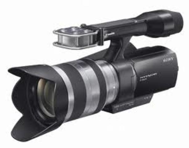 Sony demonstrates first consumer camcorder