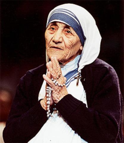 Beatifies Mother Theresa of Calcutta