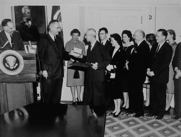 Recieves Enrico Fermi Award