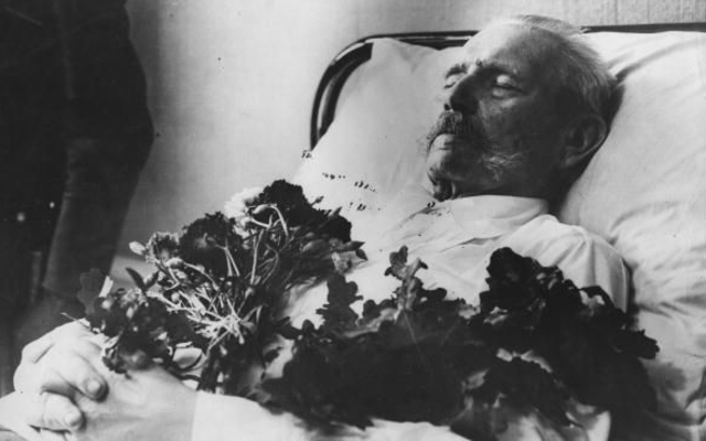 President Hindenburg Dies