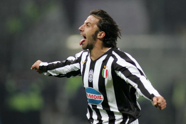 """La prima """"linguaccia"""" nel derby d'Italia"""