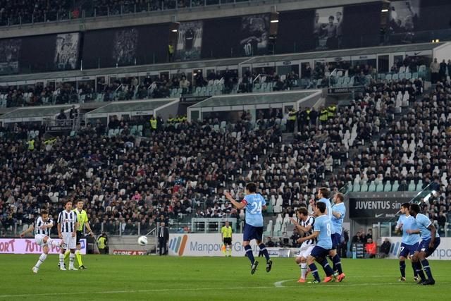 La punizione contro la Lazio
