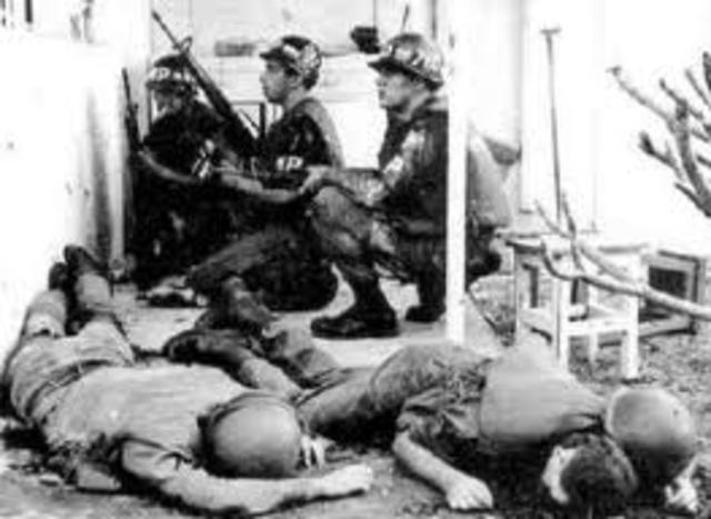 an analysis of the tet offensive a major turning point in the vietnam war During 1968 the vietnam war was a defining moment in american history, in that due to the tet offensive, american morale concerning the war and president johnson decreased, mistrust in the government increased, and the end of the vietnam war seemed nearer this year was truly a turning point in .