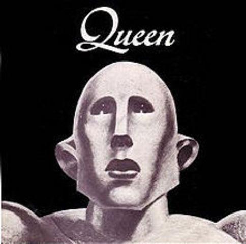 """""""Queen"""" est ete tete de la graphiques avec leurs chanson, """"We Will Rock You."""""""