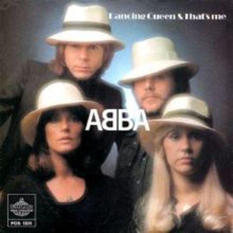 """Sentissez le battement provenent le tambourin, """"Dancing Queen"""" par ABBA est ma tante chanson preferee, et pour un raison!"""