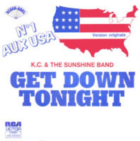 """""""KC and the Sunshine Band"""" as apporte le chanson, """"Get Down Tonight."""" C'est un de leurs cinq tubes en le """"Top 100 Billboard."""""""