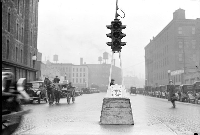 The first electric traffic light was invented