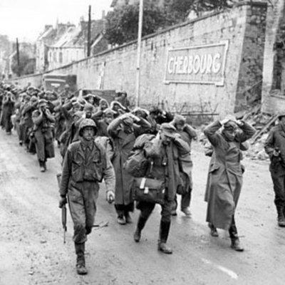 De la l a la ll Guerra Mundial. timeline